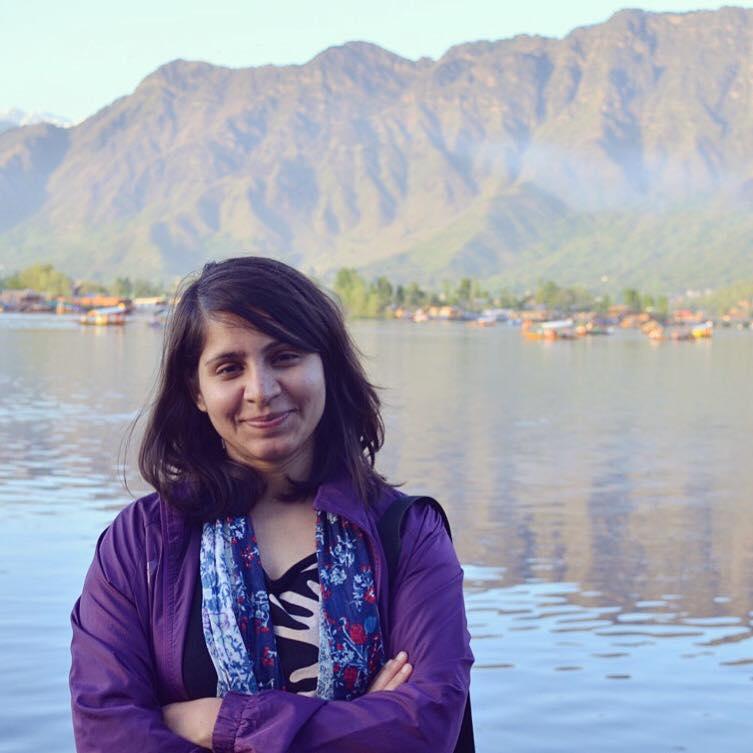 प्रदीपिका सारस्वत की कविताएँ और कश्मीर
